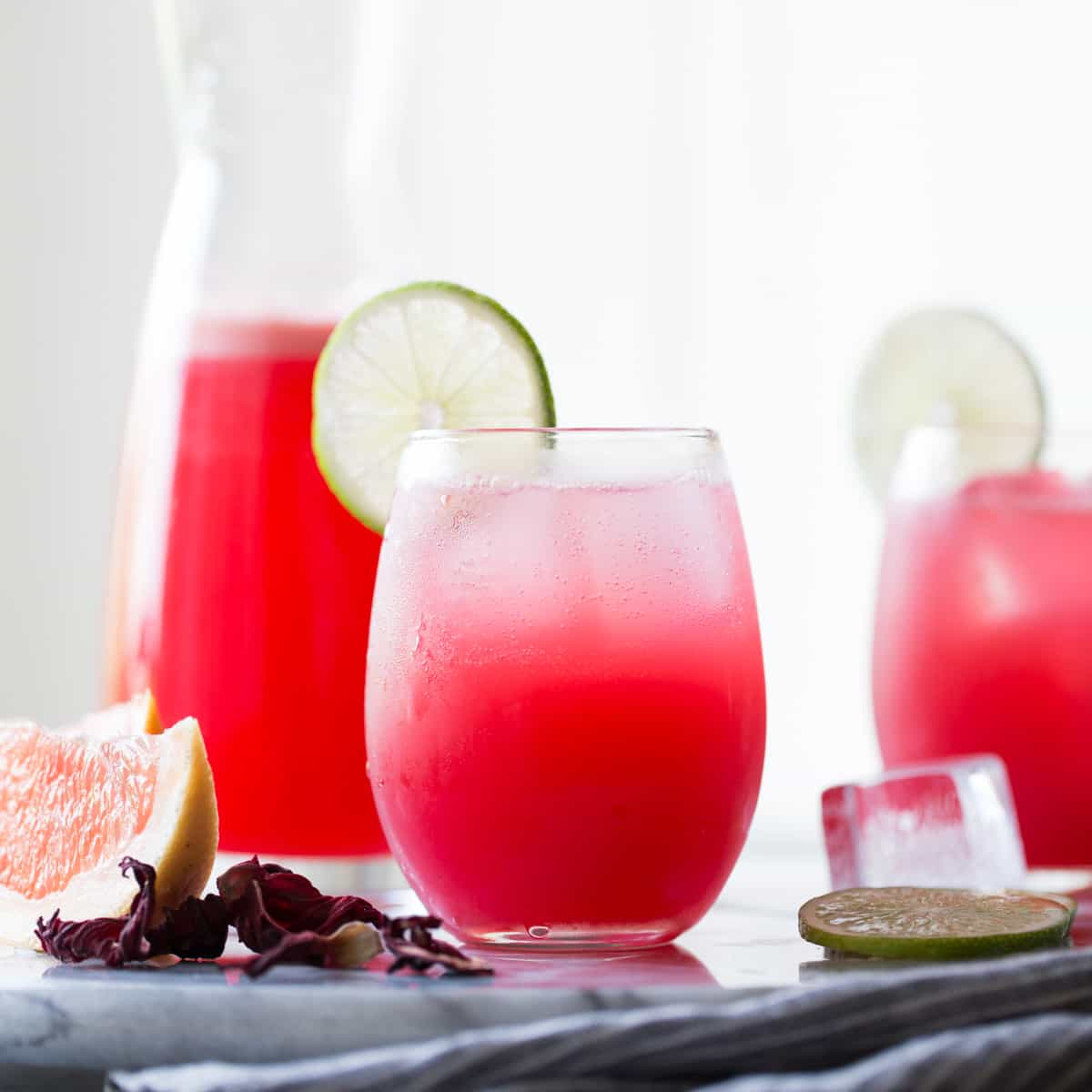 Best cocktail recipes for entertaining this summer for Cocktail hibiscus