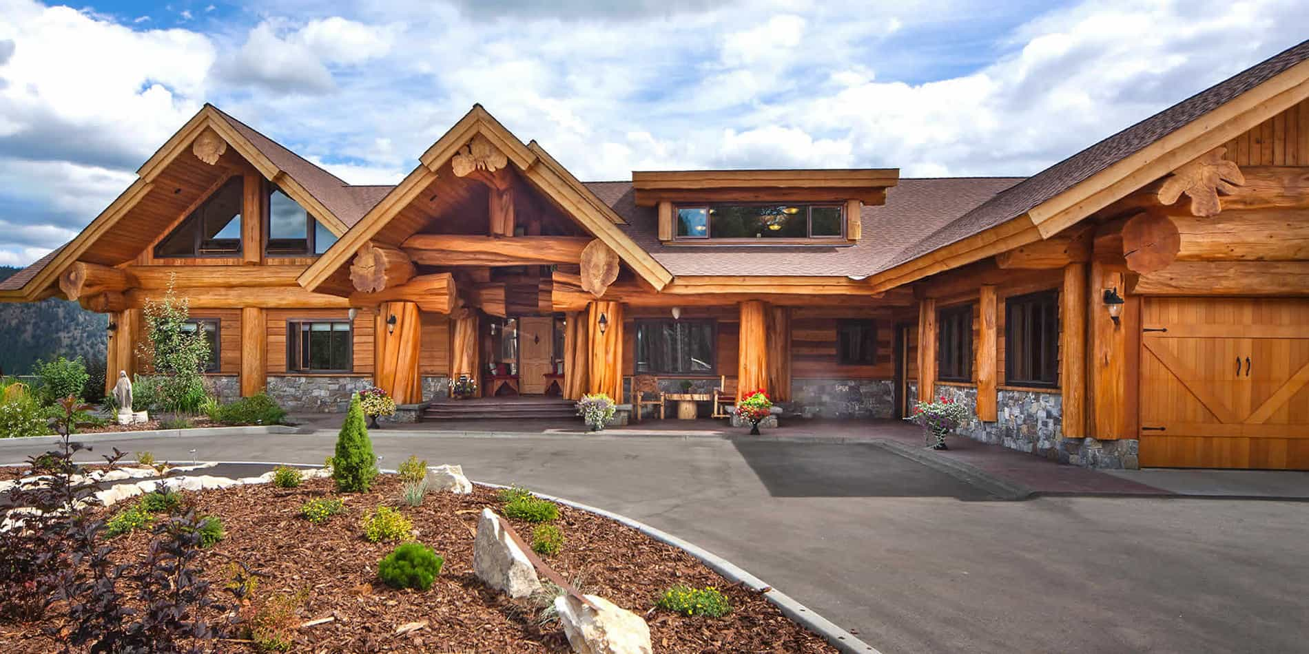 Handcrafted Log Home by Pioneer Log Homes